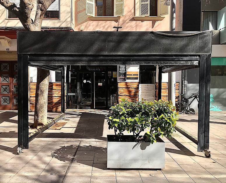El fin de las terrazas cerradas en Palma