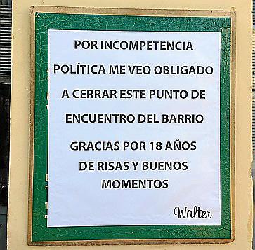 «El bar del centro Flassaders cierra «por incompetencia política»