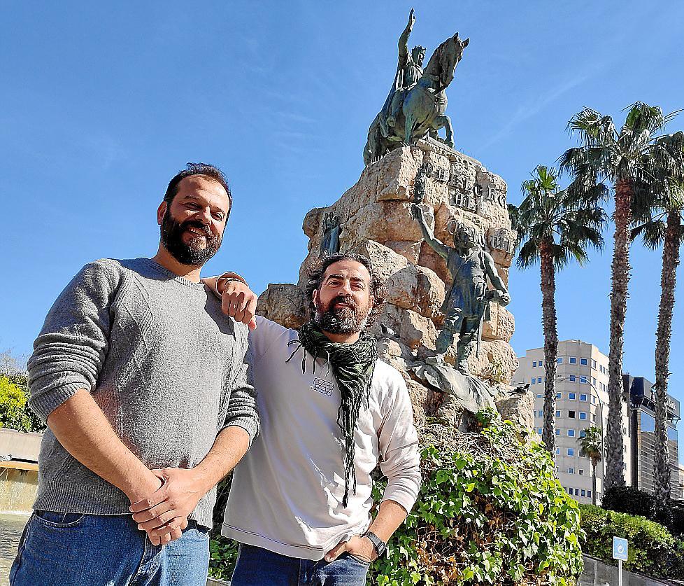El dramaturgo Jeroni Obrador y el actor Rodo Gener, posando ayer en Palma.