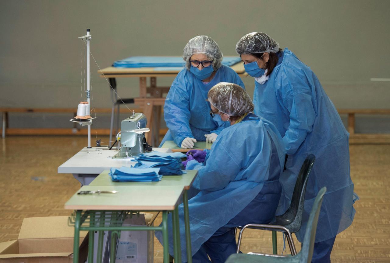 Menorca inicia la confección de material sanitario para combatir la COVID-19