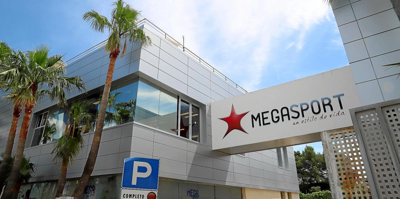 Imagen de los exteriores del Megasport, que ultima su proceso de reforma