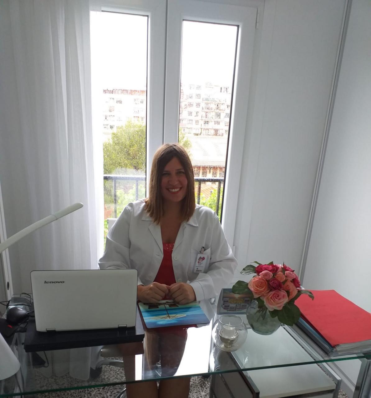 Elena Pomares