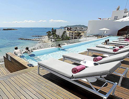 EIVISSA. HOTELES . Ses Figueretes resurge con One Ibiza Beach Suites.