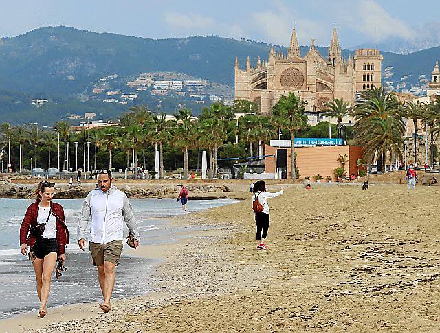 PALMA. EPIDEMIAS. CORONAVIRUS. FASE 2 DE LA DESESCALADA. Fase 2: playas, cines y teatros.