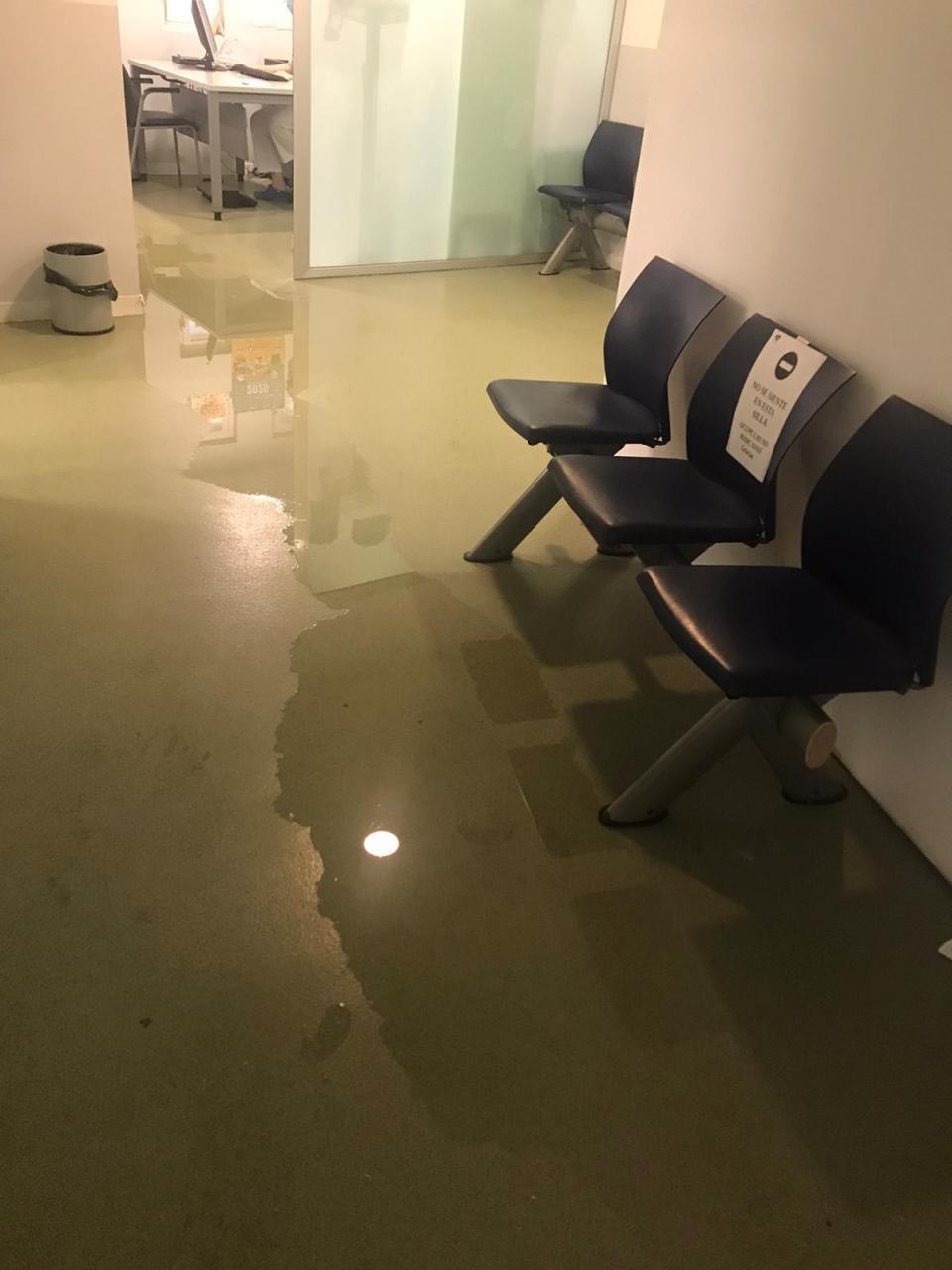 Simebal denuncia que el área de Pediatría de Pere Garau está inundada de aguas fecales
