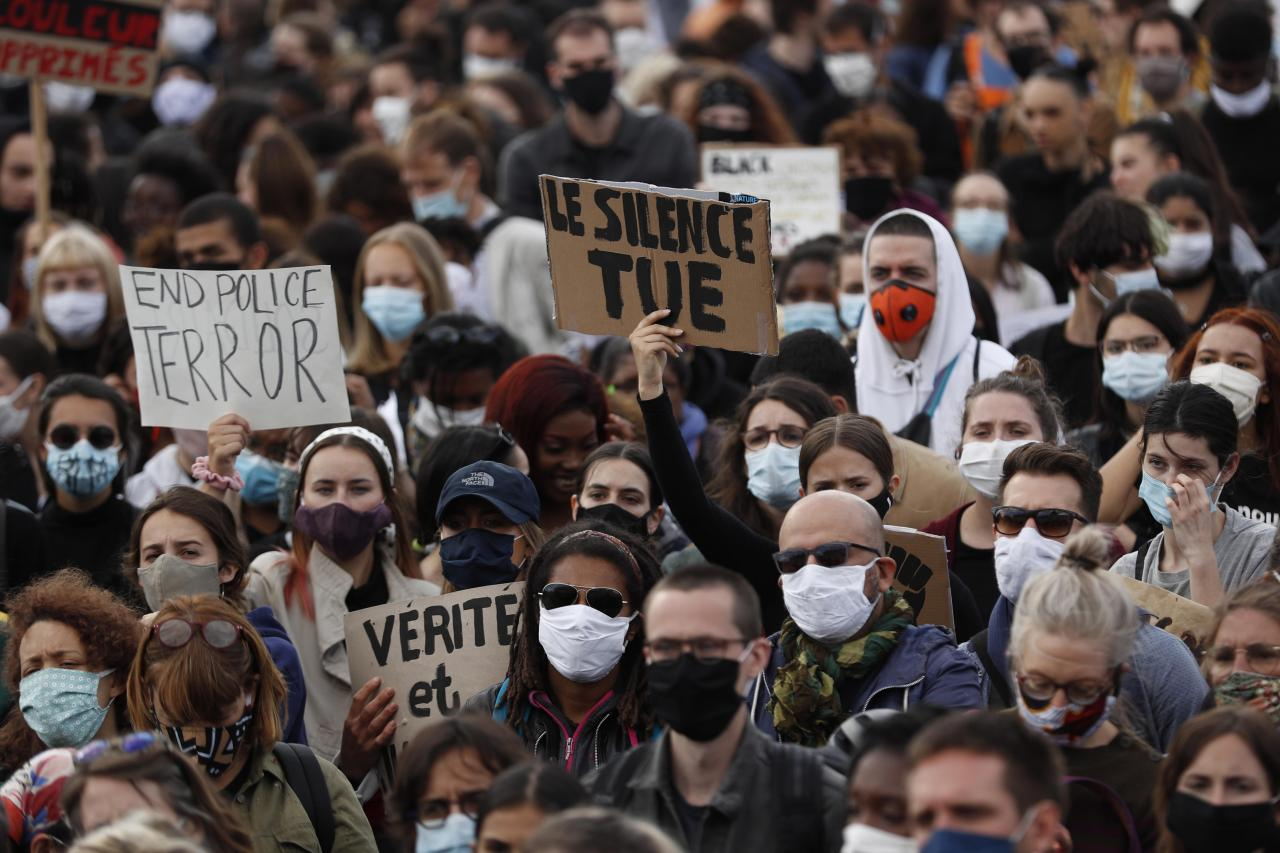 Protest in Paris against US police brutality