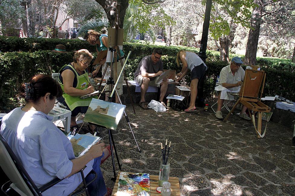 El pequeño formato debuta con éxito en la Trobada de Pintura de Valldemossa