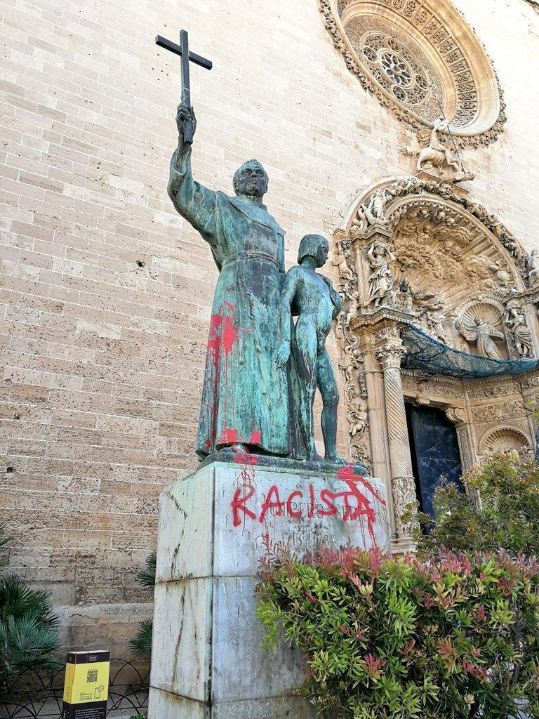 La estatura de Juníper Serra fue pintada hace dos semanas