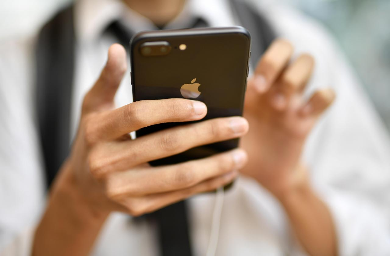 Apple valued 2 trillion USD, most valuable company again