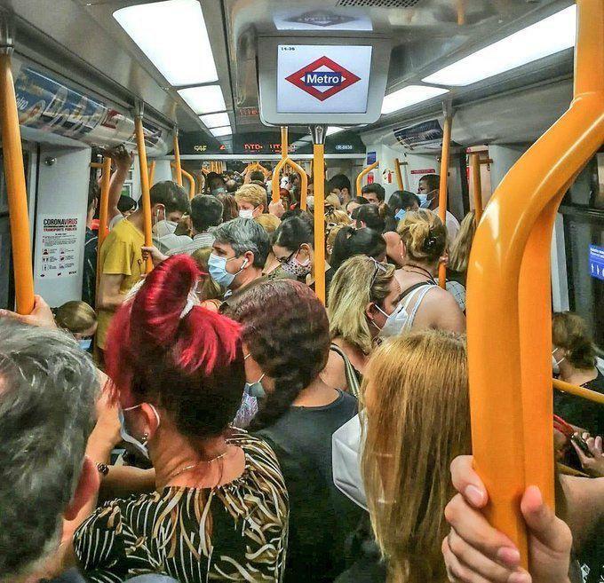 Podemos pone el foco en las aglomeraciones en el Metro de Madrid