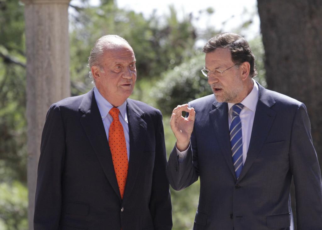 Rajoy anuncia en Palma que mantendrá la ayuda de 400 euros a los parados