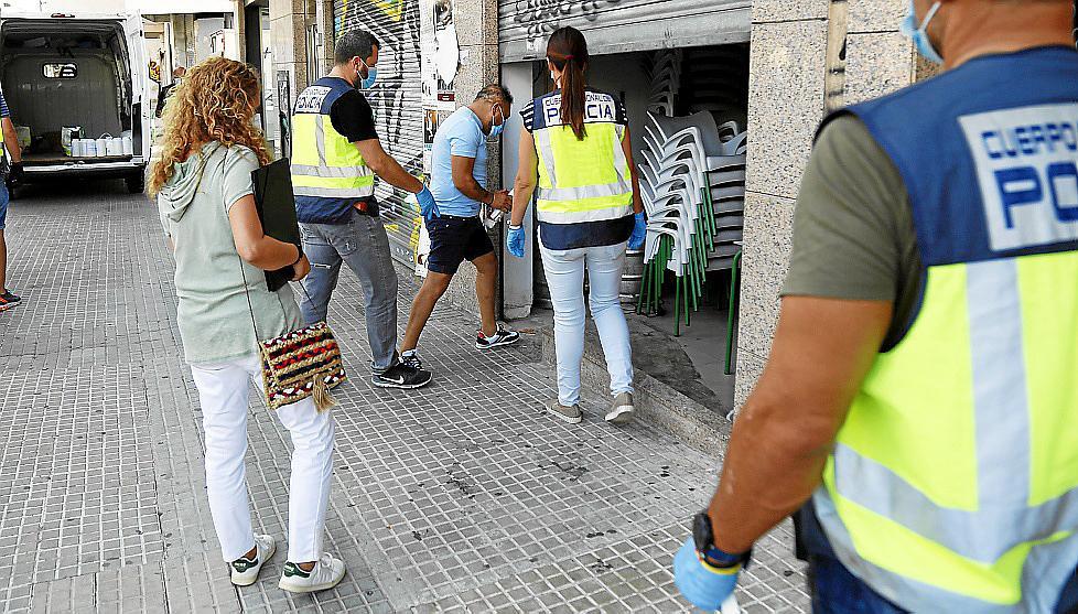 Los narcos detenidos escondían en un trastero de Palma casi 350.000 euros