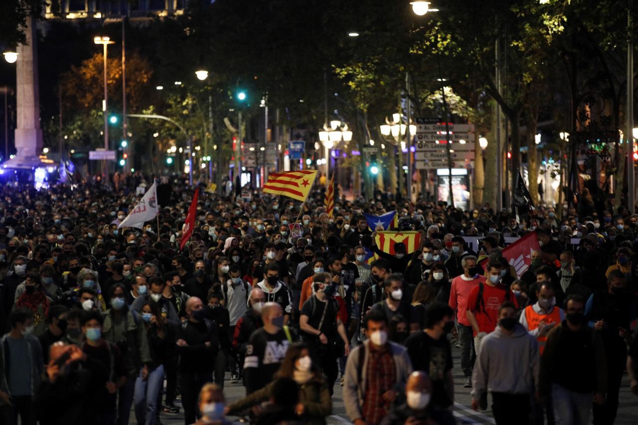 Protestas en Barcelona ante inhabilitación de Torra