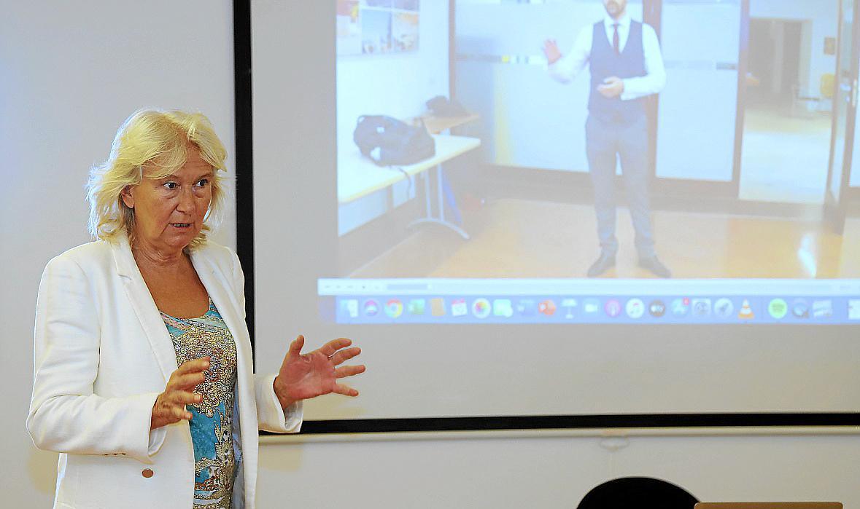 Xesca Vidal, experta en comunicación, fue la encargada de impartir la formación en oratoria