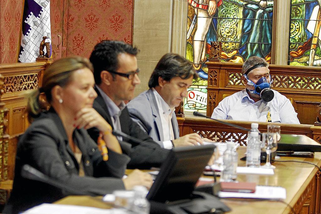 Soler intenta cortar la rebelión en el PP contra la importación de basura