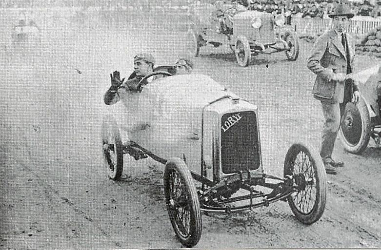 El inventor alemán Charly Bosch recupera la marca mallorquina de coches Loryc