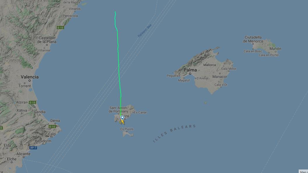 Buscan un avión bimotor desaparecido tras despegar desde Ibiza