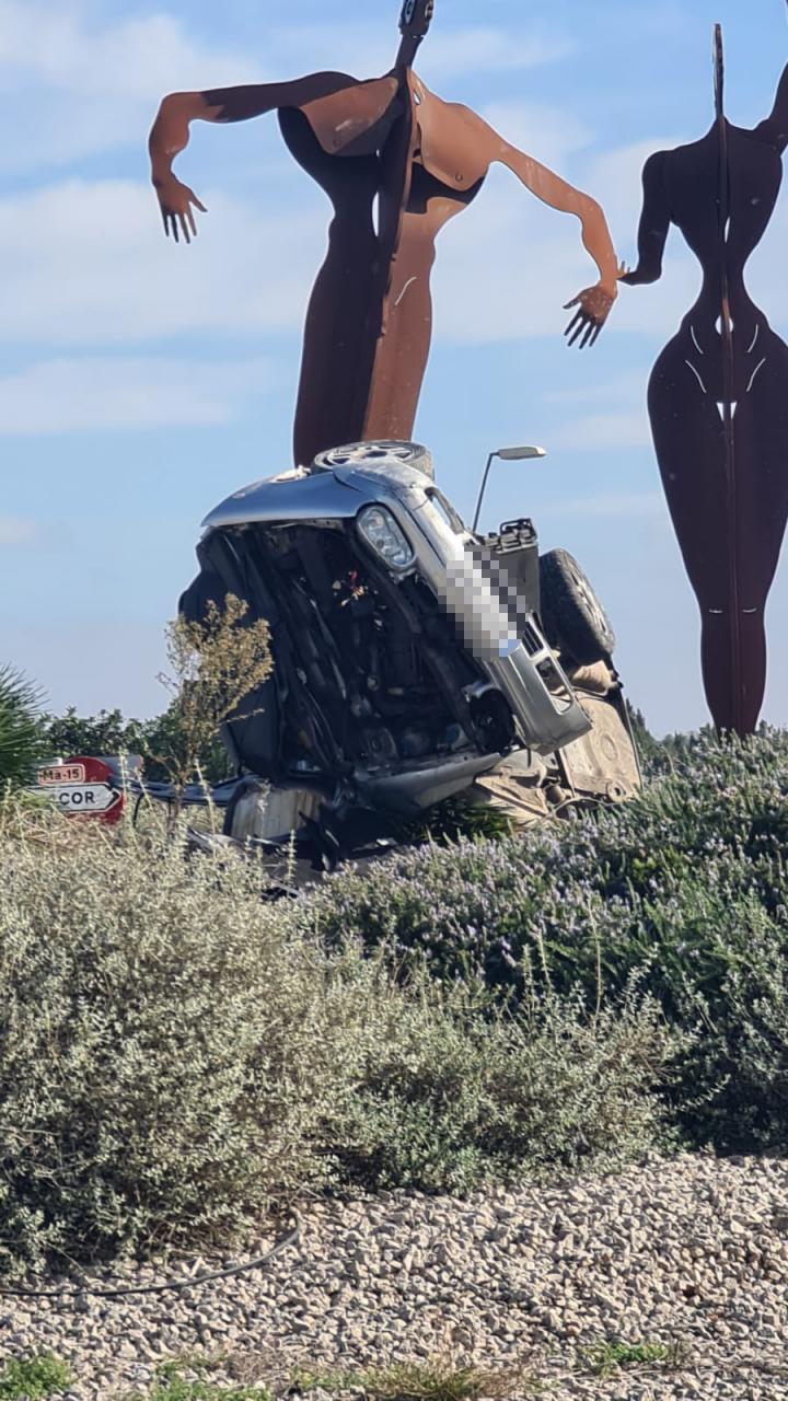Accidente en la rotonda de la carretera de Manacor
