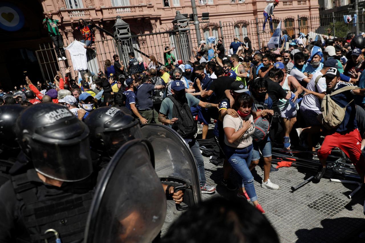 De fortes perturbations à la fermeture du sillage de Maradona