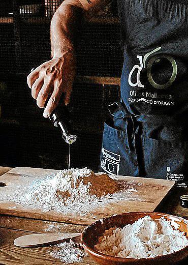 A partir de mañana ya se podrá reservar mesa en el restaurante homónimo de Adrián Quetglas, chef con Estrella Michelín