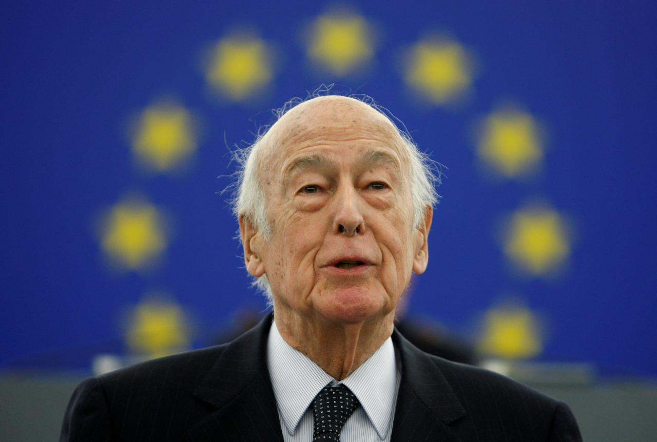 FILE PHOTO: Former French President Valery Giscard d'Estaing addresses the European Parliament in Strasbourg