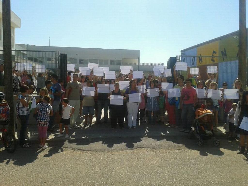 El Govern evita 'in extremis' la dimisión de la dirección del colegio Ponent de Inca