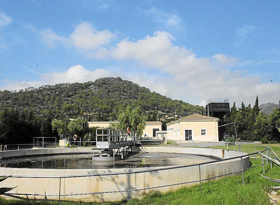 El alcalde alerta que las depuradoras del municipio, obsoletas, funcionan al límite