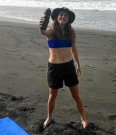 Carme Salleras, un baño en el Caribe antes de brindar