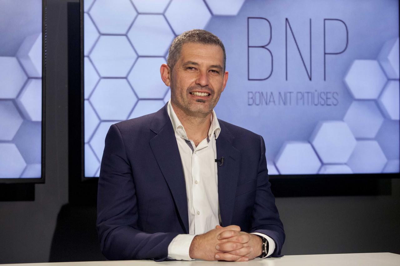 Juan Miguel Costa fue entrevistado ayer por la directora de la Televisió d'Eivissa i Formentera Sonia Escribano y el director de Periódico de Ibiza y Formentera, Agustí Sintes.