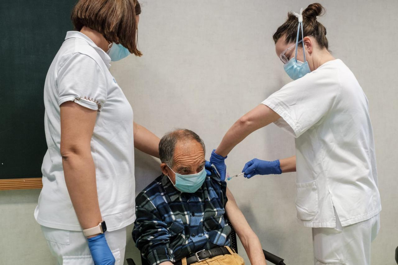 Antonio Prats Colomar, de 73 años, primer gran dependiente vacunado en las Pitiusas