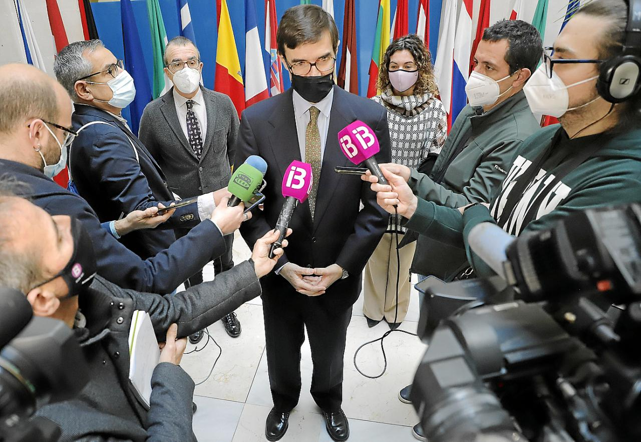 Ofensiva de Armengol en Madrid para que Sánchez apruebe ayudas para Baleares