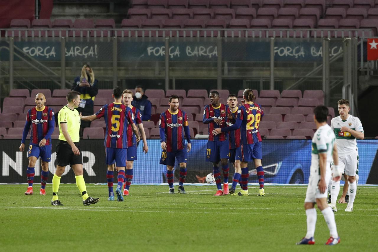 La Liga Santander - FC Barcelona v Elche