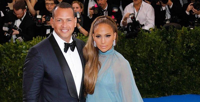 Jennifer López, disgustada tras haber pospuesto su boda con Alex Rodríguez.