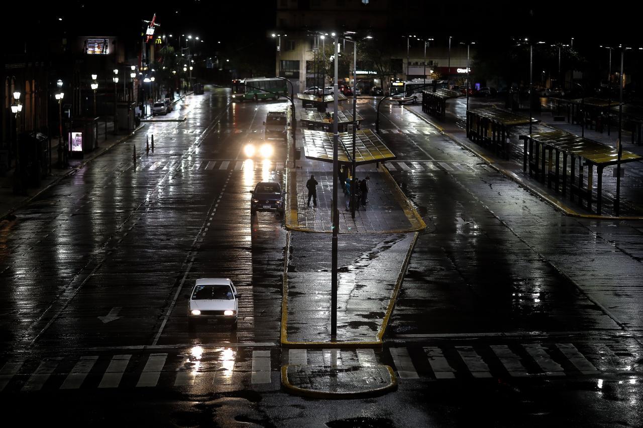 Nuevas restricciones para evitar contagio del coronavirus en Buenos Aires