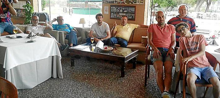 SON SERVERA. FUTBOL EL ENTRENADOR DE FUTBOL PEP GUARDIOLA SE RELAJA EN PULA.