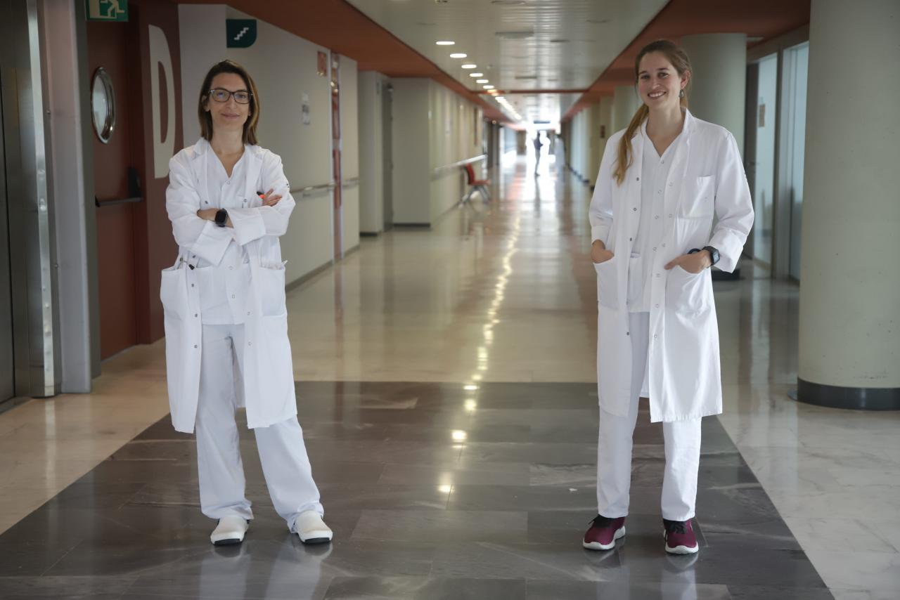 Las doctoras Nuria Toledo y Luisa Ramón, al frente de la consulta postcovid de Son Espases