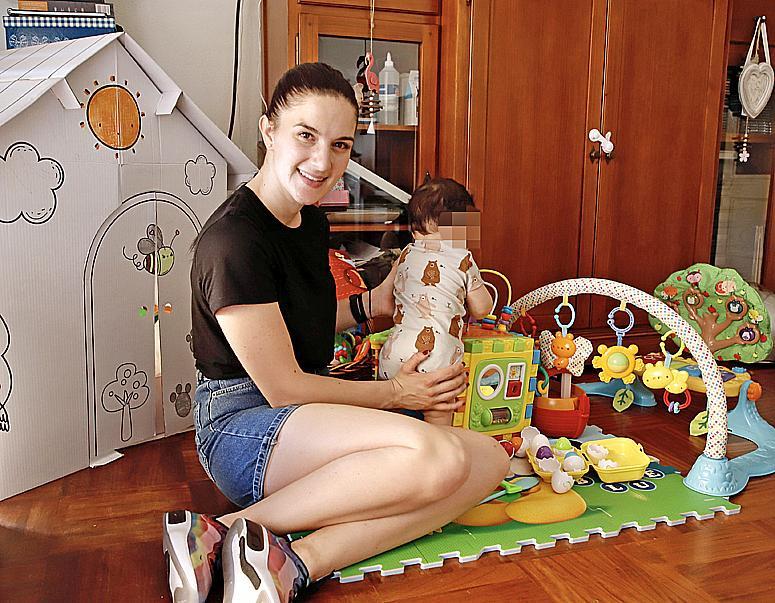 Gisela, con el benjamín de la familia