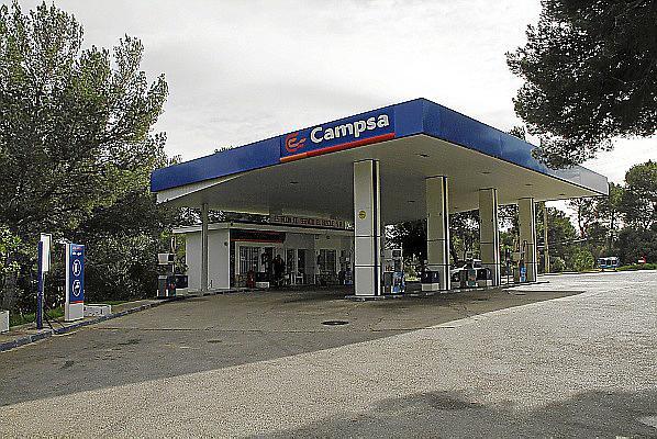 Dos encapuchados atracan una gasolinera de Felanitx y tiran por un terraplén al empleado