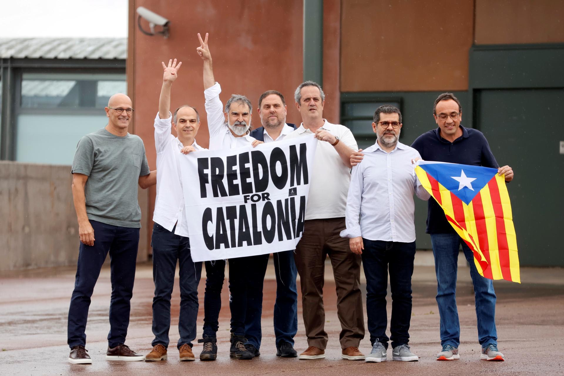 Los presos del 'procés', libres: «No nos callarán»