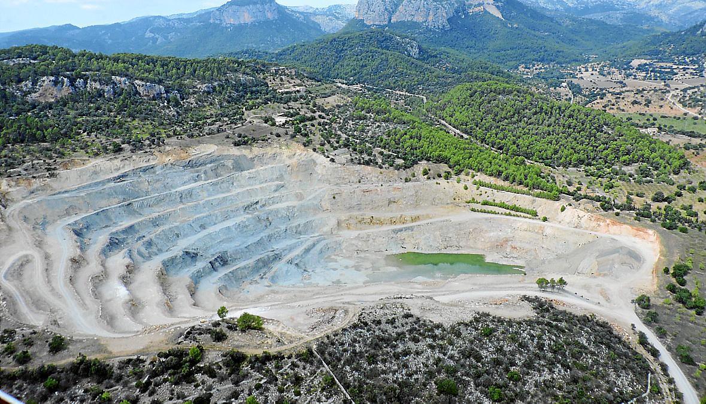 ALARO - El Ajuntament pedirá al Govern que revise la actividad minera en Can Negret .