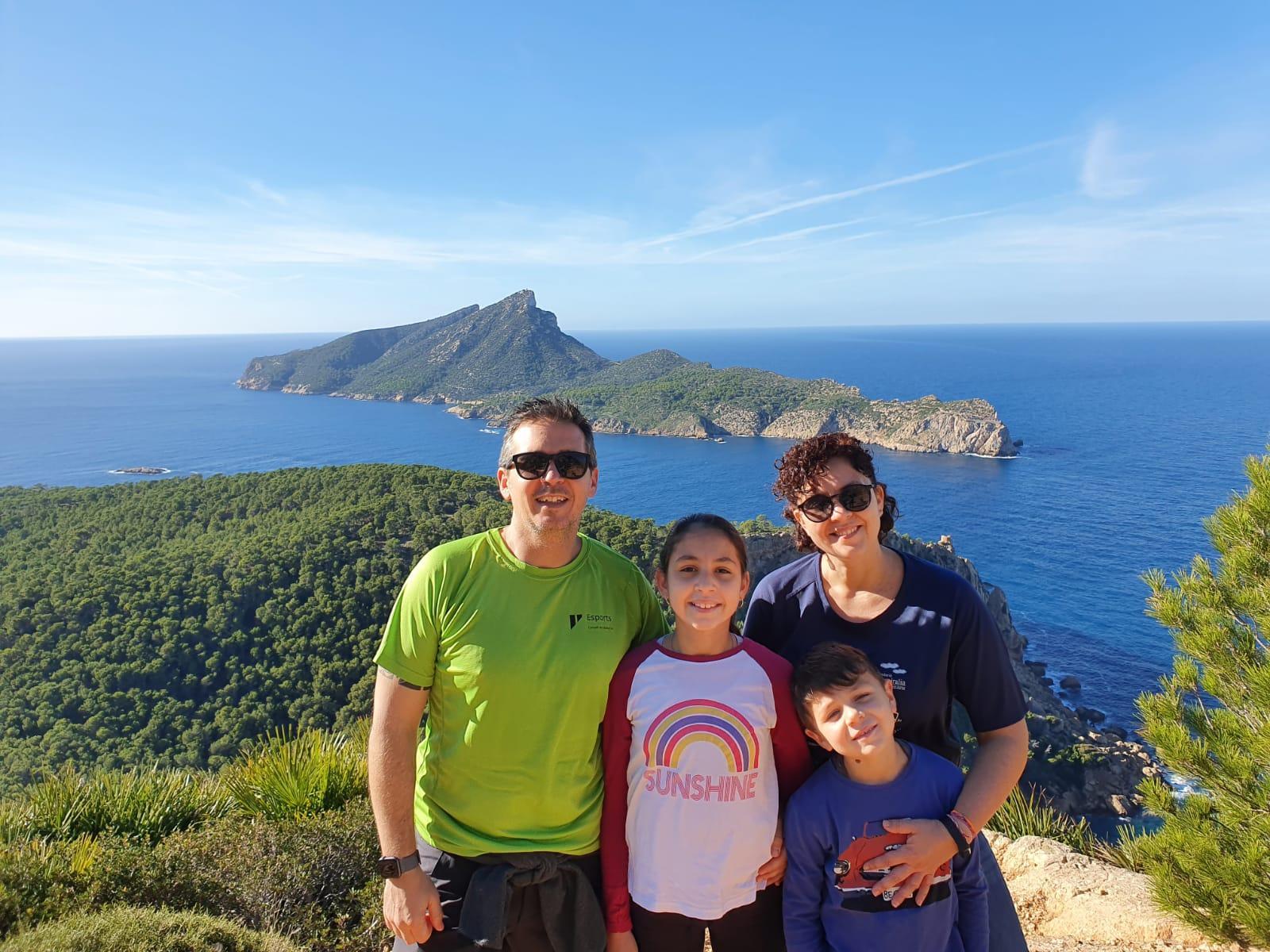 Erika Fernández y su familia