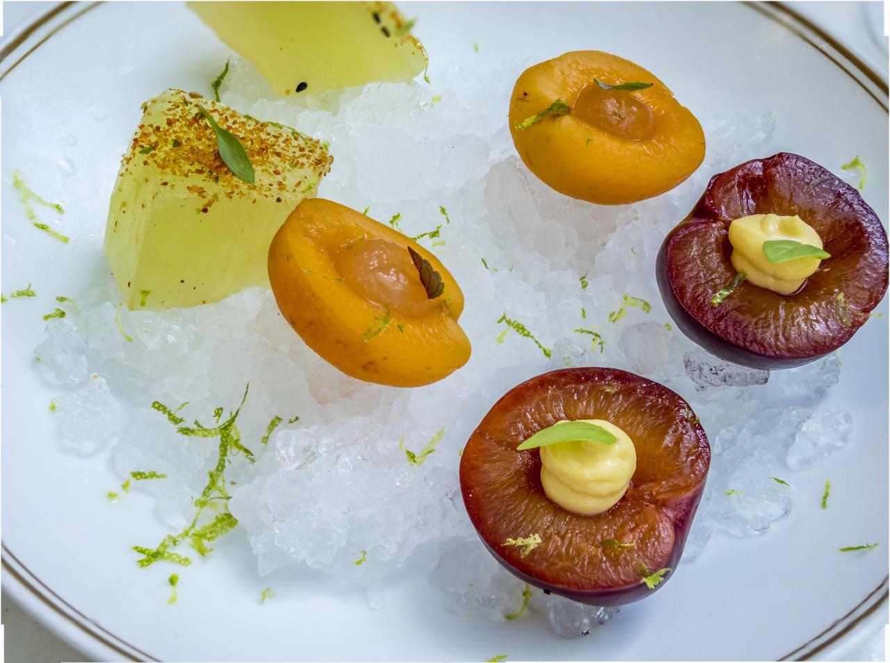 Ensalada de frutas heladas y refrescantes