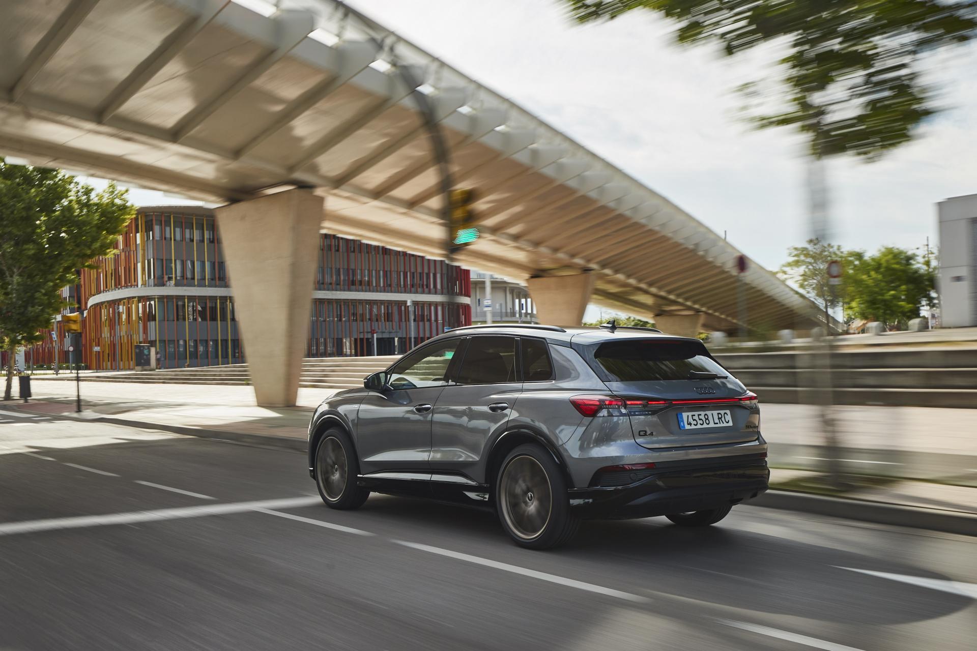 Según la batería incorporada, motor y equipamiento, su autonomía eléctrica se mueve entre los 310 y los 515 km.
