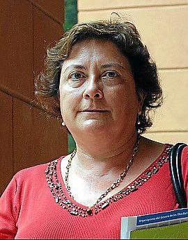 ESPERANÇA MARI DIPUTADA DE IZQUIERDA UNIDA EN EL PARLAMENTO.