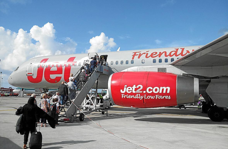 El avión de la compañía Jet2 había despegado desde el aeropuerto de Menorca.