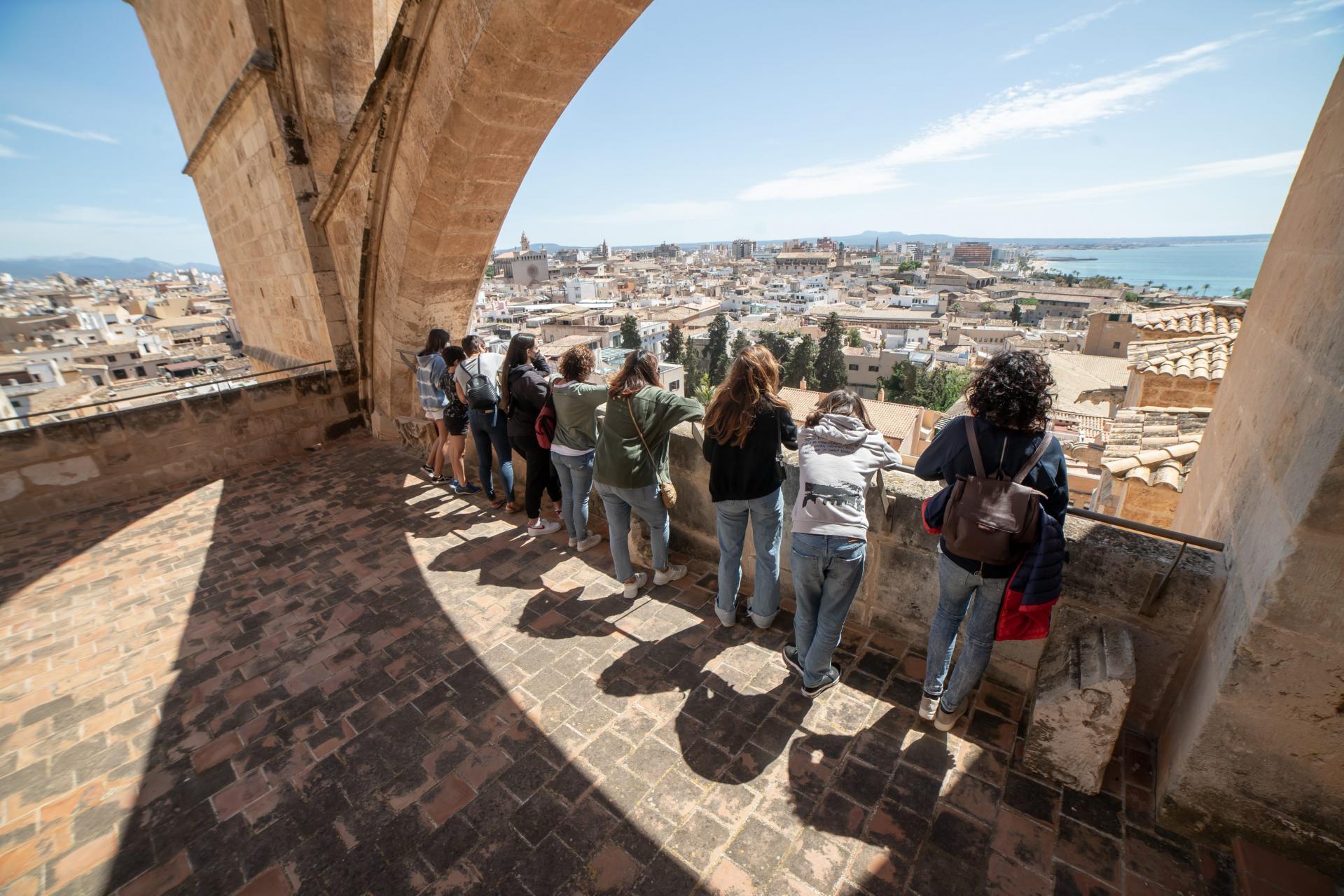 PALMA. CATEDRALES. Las terrazas de la Catedral - Seu reabrieron ayer