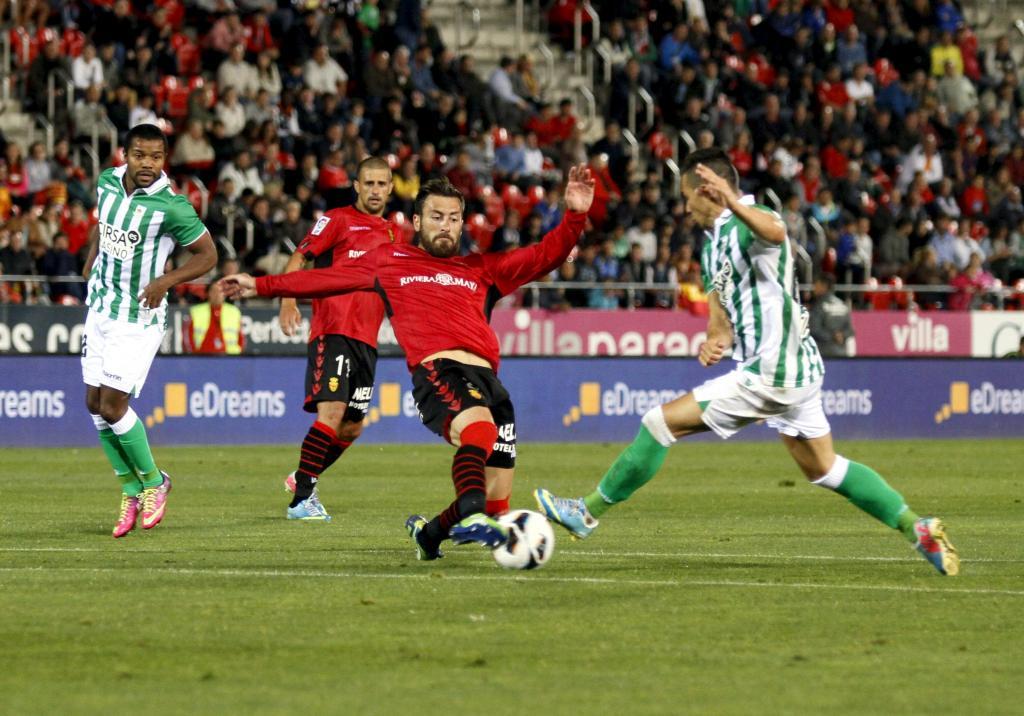 El Mallorca se agarra a un hilo de vida (1-0)