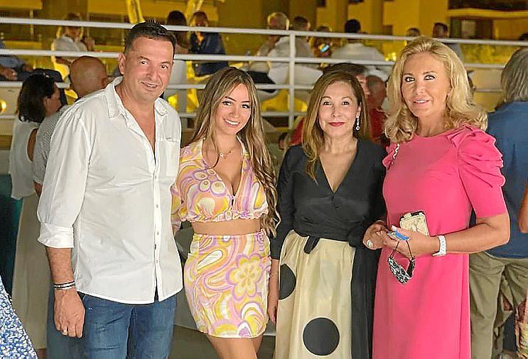 Inauguración de José Luis Mesas y la terraza Artwallbar en el hotel Artmadams