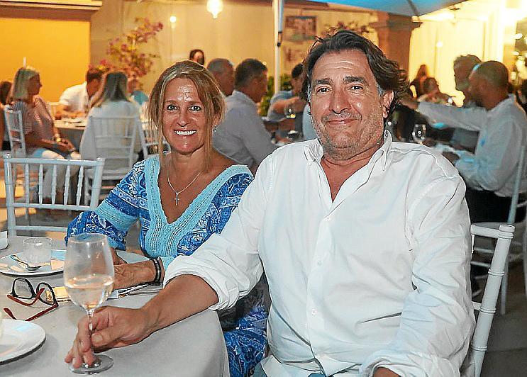 Cena de aniversario en Puerto Portals