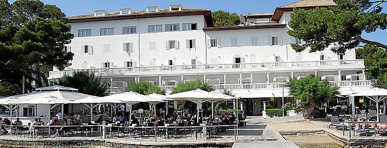 port de pollença puerto hotel illa d'or